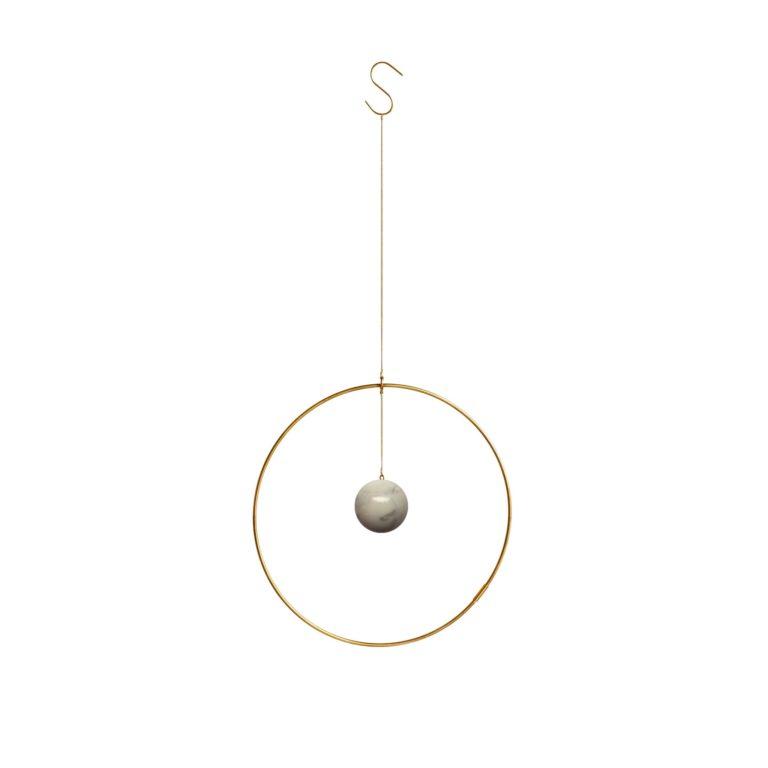 kaja skytte-galaxy globe-globen-ringe af guld-marmor-ringe af messing-stilleben-stefansgade-nørebro-designkollektivet-galaxyglobe-kajaskytte-space design-space present-star wars-denmark-danmark-kbh-cph-københavn-copenhagen-kig ind-kig forbi-normann-hay-present-tidløst-time less